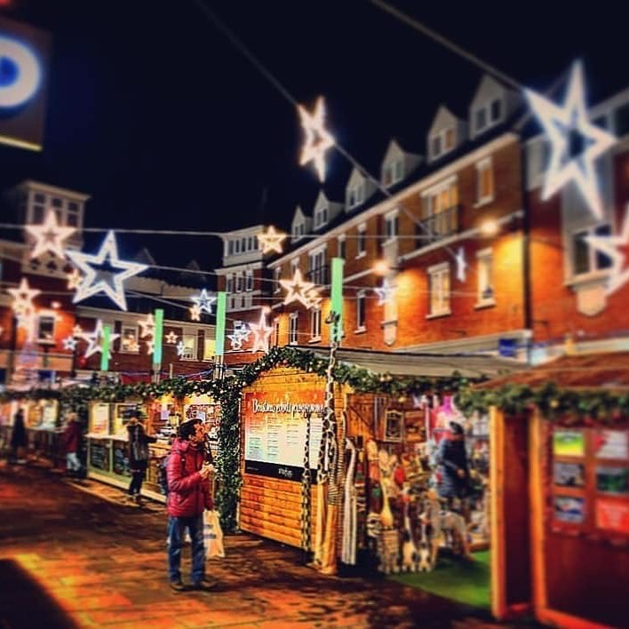 Dark nights and Christmas lights #gettingcloser #canterburychristmas #christmasmarket #kent #christmas2019 #stars #gifts #festive #feelingfestive