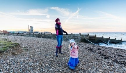 Billboard headers website 1300 x 250 (C) Alex Hare whitstable beach his family